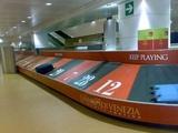 Gepäckband im Flughafen