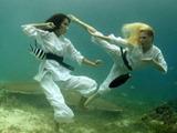 Unterwasser-Karate