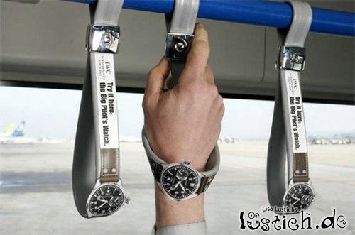 Armbanduhr im Bus