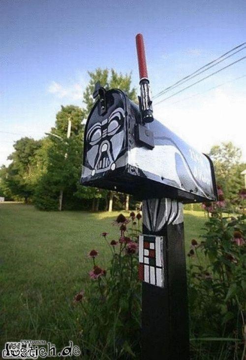 Darth Vader hat Post