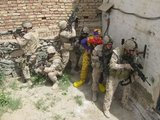 Soldaten mit Clown