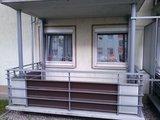 Netter, völlig sinnloser Balkon